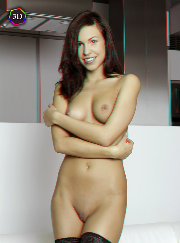girl-home-alone-and-naked-in-stereo-3d