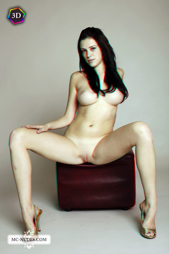 innocent-looking-naked-girl-gets-naughty-in-stereo-3d