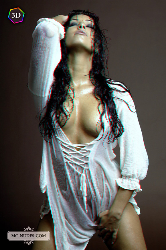wild-and-sexy-babe-wet-and-getting-naked-in-stereo-3d